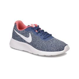حذاء رياضي للنساء باللون الازرق من ماركة نايك