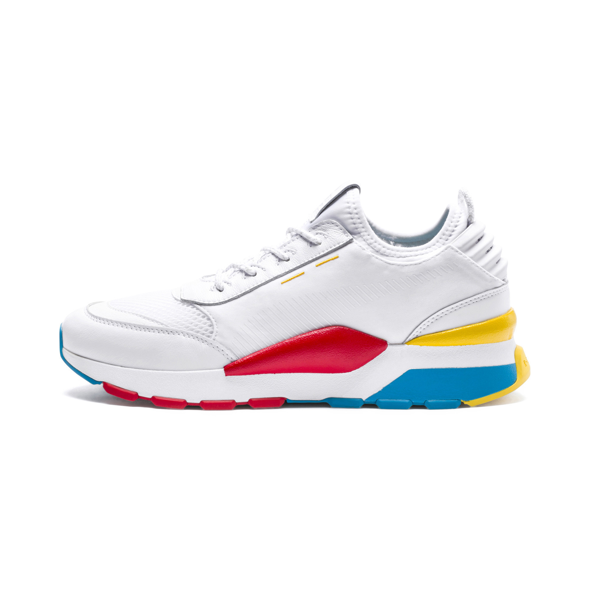 حذاء رياضي  من ماركة بوما